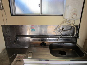 二口コンロ置けます!隣に洗濯機置場もあります!
