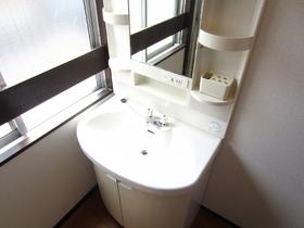 洗面所あります!隣に洗濯機置場あります!