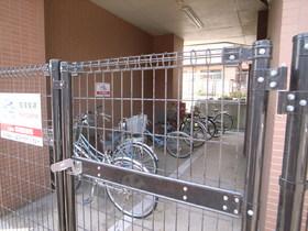 自転車置場ももちろん完備。