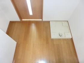 食器棚や冷蔵庫も置けるスペースです。