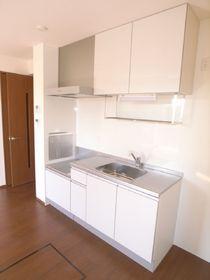 1階には床下収納スペース付きのキッチン!