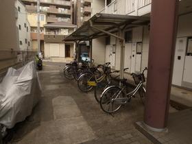 嬉しい屋根付き駐輪場☆