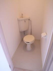 トイレはちょっと形が古いかな? 気にしない?