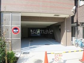 駐車場、駐輪場、バイク置場の入り口です!!