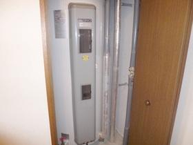 電気温水器あります。