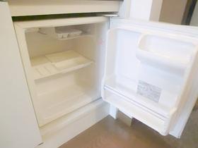 ミニ冷蔵庫付。