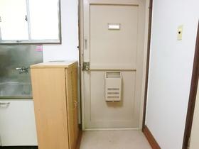 下駄箱付の玄関です♪