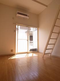 天井も高くて開放感がありますね。