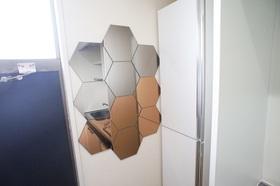玄関に大きな鏡付