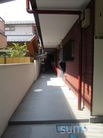 玄関前です☆