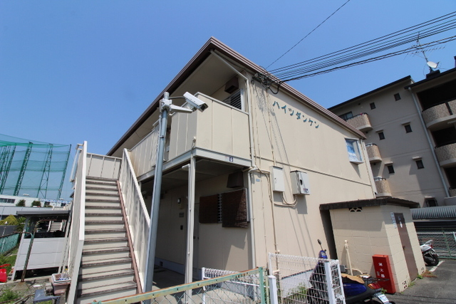 大阪府茨木市目垣の賃貸アパートの外観