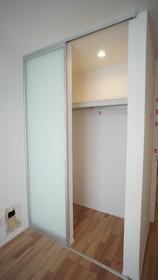 レーヴアヴァンス 201号室