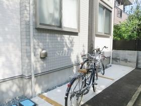 自転車はこちらに置かれています☆