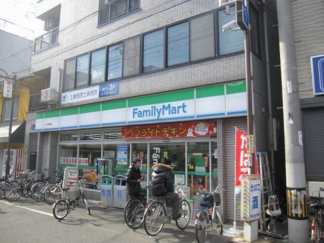 ファミリーマート犬上屋梅香店