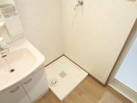洗面脱衣所に洗濯機置場有ります!