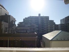 太陽サンサンの陽当たりです