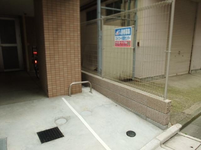 スカイコートパレス蒲田駐車場