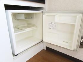 ミニ冷蔵庫付いています。