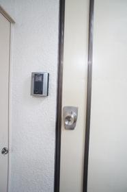 磯部レジデンス 302号室