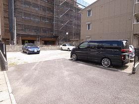 駐車場は平置きなので、ワゴン車クラスもOK