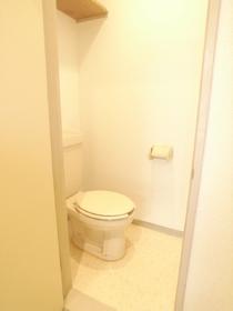 ちょうど良い広さのトイレは落ち着く空間です♪