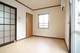 南東側洋室は家族のくつろぎスペースとしてもお勧めです!