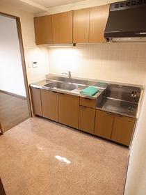 独立型キッチンでリビングが広々使えます。