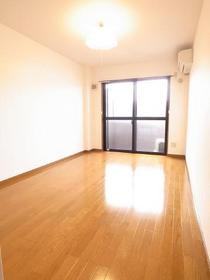 広いお部屋は8畳スペース♪
