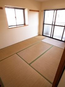 和室のお部屋って心落ち着きますよね~!