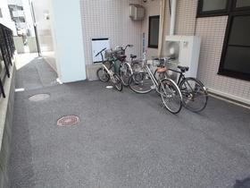 自転車はこちらに!