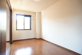 http://image.rentersnet.jp/3cbb107c-2991-4567-8777-b06506121f26_property_picture_961_large.jpg_cap_洋室6帖 南西向き