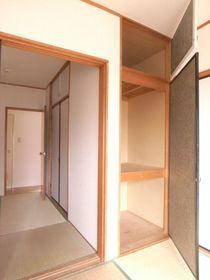 2つの和室には収納があります。