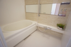 清潔感ある浴室!