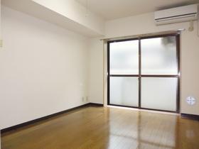 白を基調としたさわやかなお部屋です。