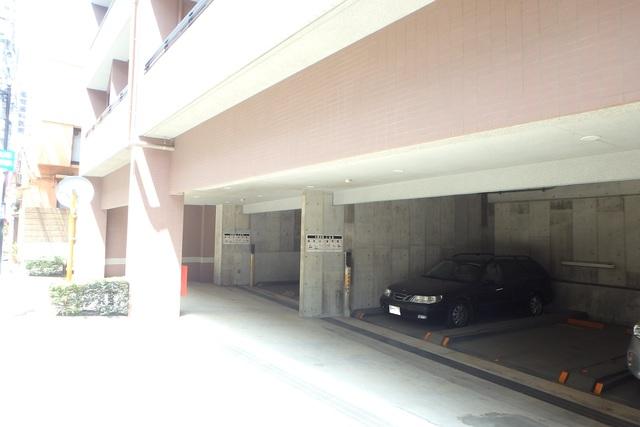クレッセント祐天寺駐車場