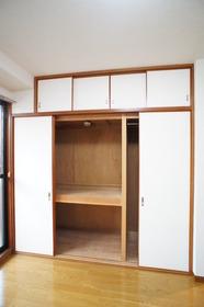 エスポワールアライ 201号室
