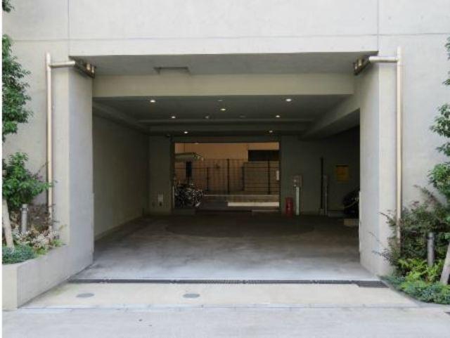 ZOOM池尻大橋駐車場