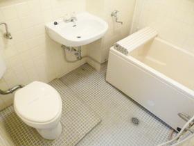浴室・洗面台・トイレの3点セットです☆