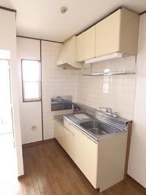 広々キッチン、おっきな冷蔵庫でも余裕です☆