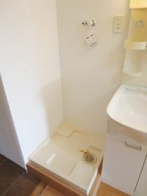 自動ストッパー付き洗濯機用水栓なので、ドラム式洗濯機も設置可能