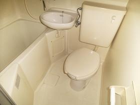 バストイレ同室はお掃除が楽ですよ♪
