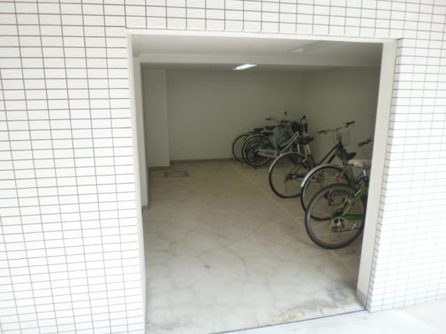 スカイコート文京大塚駐車場
