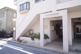 http://image.rentersnet.jp/4a193e07892cc8eeb7dde4e657cdf373_property_picture_962_large.jpg_cap_エントランス