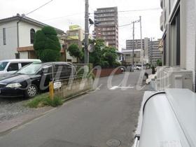 建物前の道路です☆
