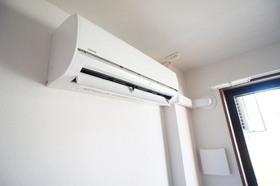 http://image.rentersnet.jp/4b47fb01-4079-4844-889c-94618252e632_property_picture_961_large.jpg_cap_リビング エアコン完備