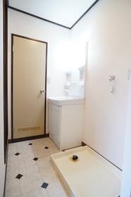 スペース充実の洗面所!洗濯機置場もこちら!