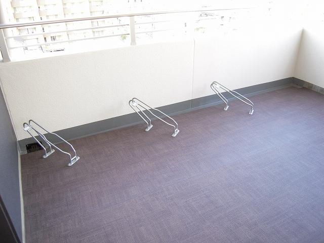 各階に設置。自転車置場。