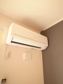エアコンももちろん付いてます!