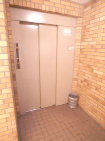 エレベーター完備!高層マンションならではですね。
