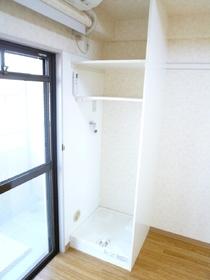ウエノ東大井ハイツ 215号室